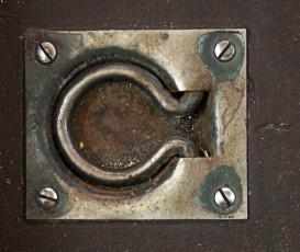 trapdoor-handle-1472740